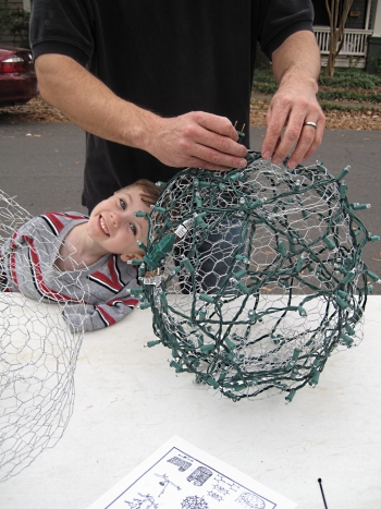 How to make big light balls you see in trees during for Big outdoor christmas balls